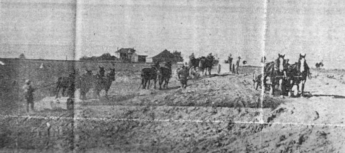 1929 Clearing land at Lexington field